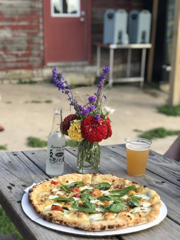 Luna Valley Farms Pizza Decorah Iowa